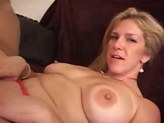Blonde Fuck Horny Mammy MILF