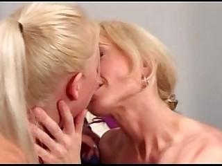 lesbienne milf blond kutje tiener dildo neuken warm