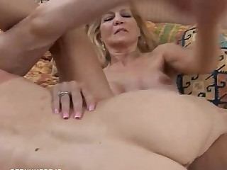 Blonde Cougar Cumshot Facials Hot Housewife Mammy Mature