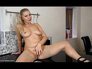 Blonde Jerking Masturbation MILF