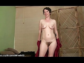 Cougar Fingering Hairy HD Mammy Mature MILF Solo