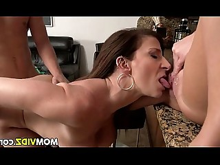Threesome Lesbian Fuck Huge Cock Cougar Car Big Cock Daughter