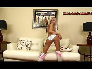 grote tieten bikini blond milf naakt