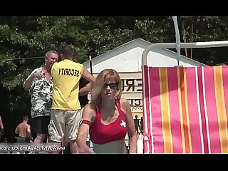 Bus Busty Juicy MILF Outdoor Public Really Striptease
