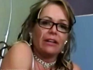 Pussy MILF Mammy Licking Cougar