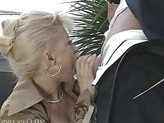 Blonde Horny Mammy MILF